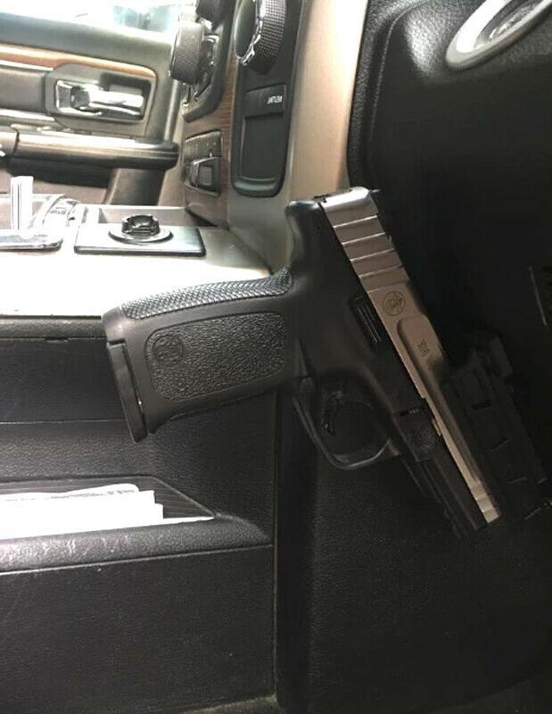 Gun & - Tactical Firearm
